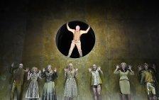 """""""jedermann (stirbt)"""" am Burgtheater in Tracht"""
