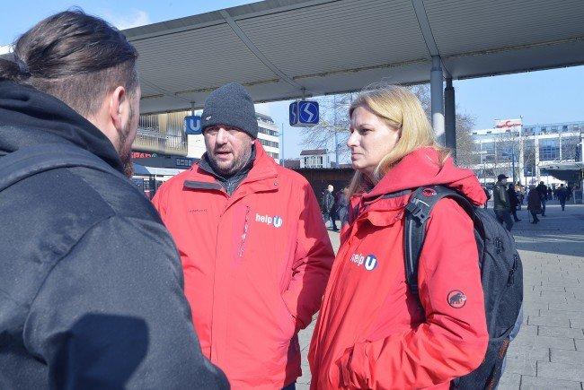 """Die """"Help U""""-Mitarbeiter sind ab sofort auch im Umfeld des Bahnhofs Floridsdorf im Einsatz."""