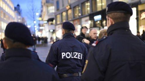 Wegen Zigaretten mit Messer bedroht: Duo festgenommen