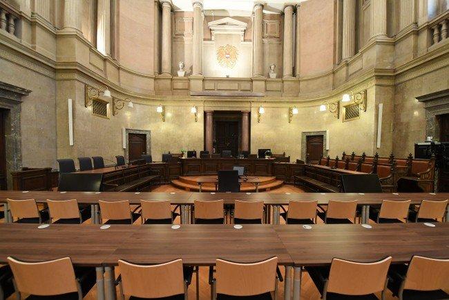 Die mutmaßlichen Terroristen müssen sich vor dem Wiener Landesgericht verantworten.