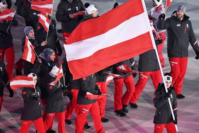 Anna Veith trug die österreichische Fahne