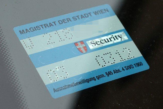 In Wien ist es auch in einer Zulassungsbesitzergemeinschaft nicht möglich, ein Parkpickerl für mehrere Bezirke zu bekommen.