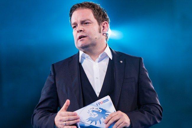 Der FPÖ-Chef sieht bei einem 2. Platz gute Chancen auf Schwarz-Blau.