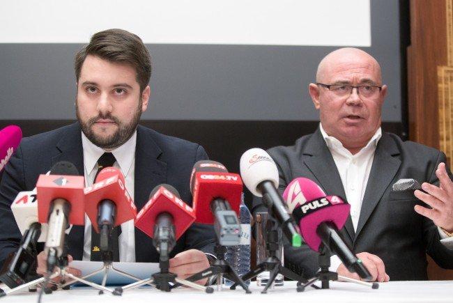 """Die Burschenschaft """"Bruna Sudetia"""" nimmt in einer Pressekonferenz zur aktuellen Causa Stellung."""