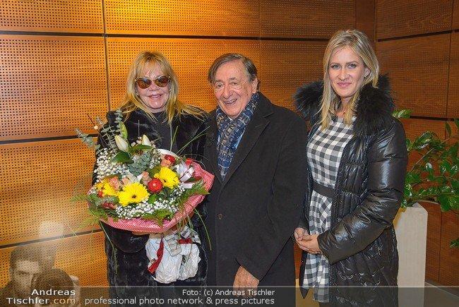 Melanie Griffith landete am Dienstag am Flughafen in Wien-Schwechat.