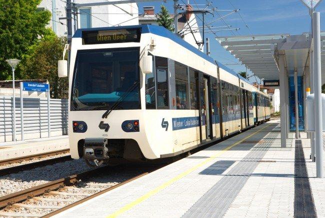 Ein Zug der Badner Bahn ist am Montagabend entgleist