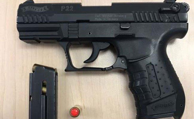 Ein 54-Jähriger bedrohte mehrer Personen mit dieser Gaspistole