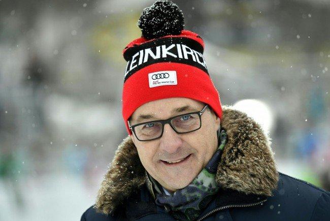 Sportminister Strache, hier bei der Damen-Abfahrt in Bad Kleinkirchheim, zu seinen Ressortplänen