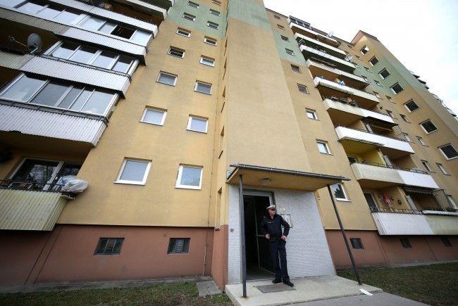 In diesem Haus in Wien-Donaustadt wurde die 80-Jährige von ihrem Sohn erdrosselt.