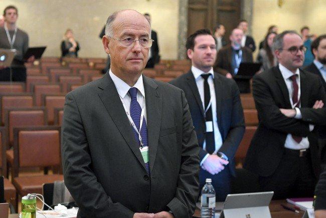 Georg Starzer wird im Grasser-Prozess einvernommen.