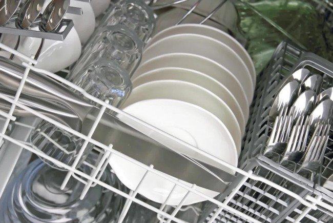So passt auch großes Geschirr in die Spülmaschine.