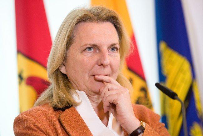 Außenministerin Karin Kneissl erkennt die Souveränität des Kosovos an.