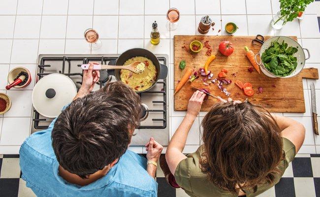 umfrage zum valentinstag verr t gemeinsames kochen h lt die beziehung frisch vienna at. Black Bedroom Furniture Sets. Home Design Ideas