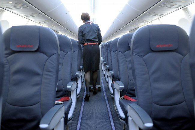 Mehr Beinfreiheit für mehr Geld - das neue Konzept der Lufthansa.