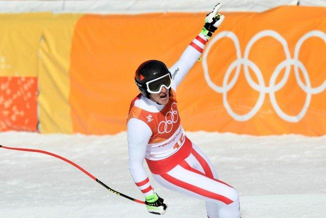 Speed-Fahrer Matthias Mayer darf sich über seine zweite olympische Goldmedaille freuen.