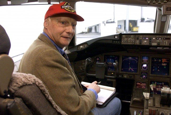 Niki Lauda geht mit der Fluggesellschaft Condor eine enge Zusammenarbeit ein.