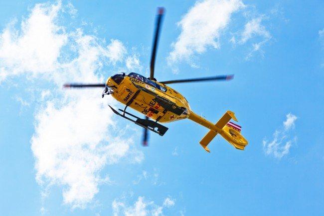 Der 33-Jährige wurde nach dem Unfall mit lebensgefährlichen Verletzungen in ein Krankenhaus geflogen.