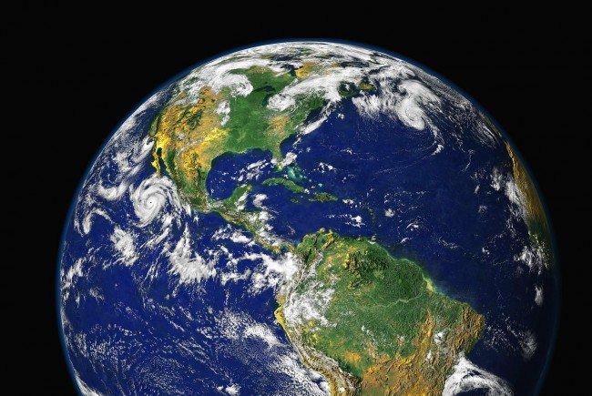 """Die Dynamik der Erde wird mit """"Shaking Earth"""" gezeigt."""