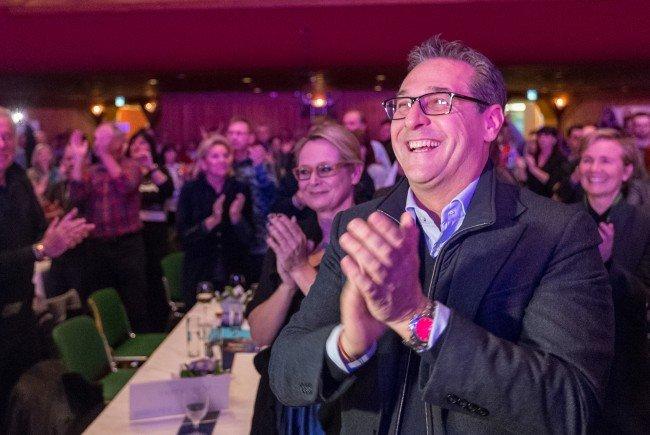 Volksabstimmung zum Rauchverbot: Vizekanzler Heinz-Christian Strache würde gerne, kann aber nicht.