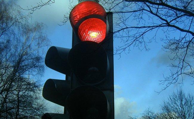 Linz testet das Abbiegen trotz roter Ampel auf Kreuzungen.