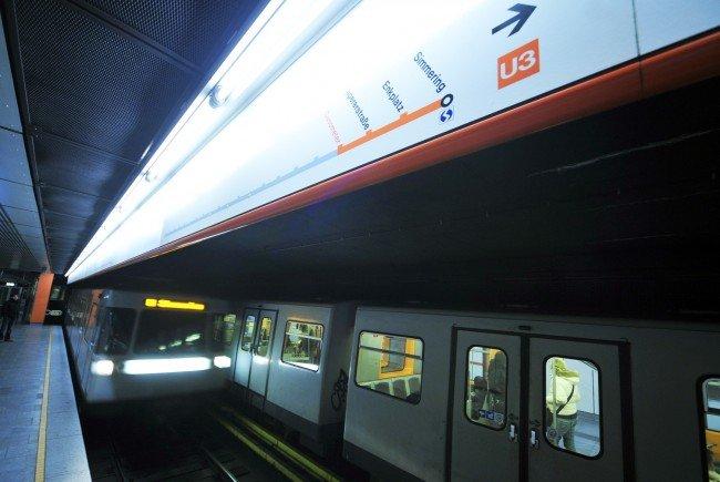 Der 24-Jähriger sprang in Panik vor dem Angreifer auf die U-Bahn-Gleise.