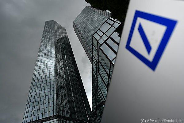 Deutsche Bank erneut im Monus