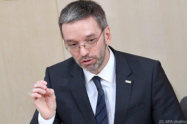 Kickl fordert Verlängerung von Grenzkontrollen