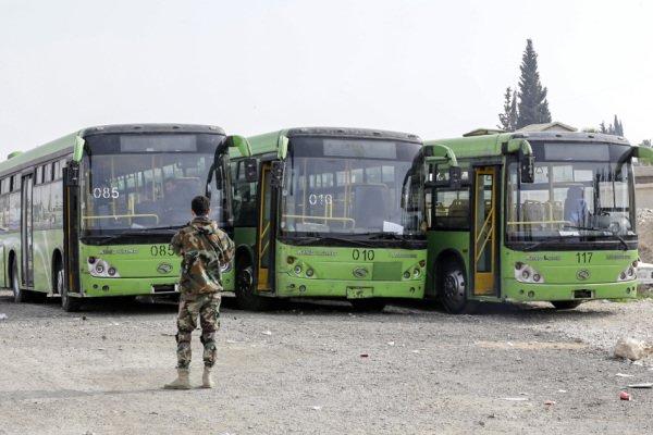Busse sollen die Zivilisten in Sicherheit bringen