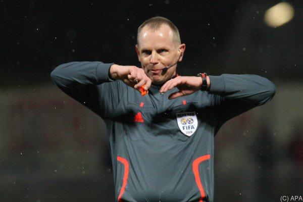 Stuchlik war von 1994 bis 2009 FIFA-Referee