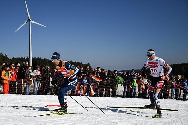 Akito Watabe (links) hat gute Chancen auf den Sieg