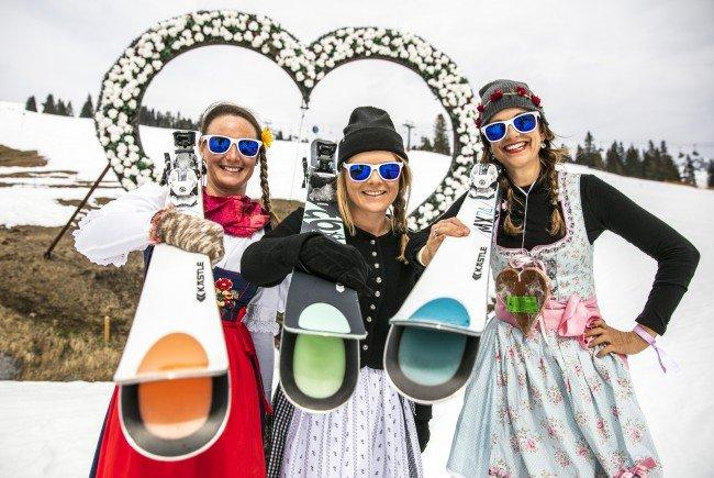 Prämierte Kästle Dirndl Ski-Gaudi am Arlberg