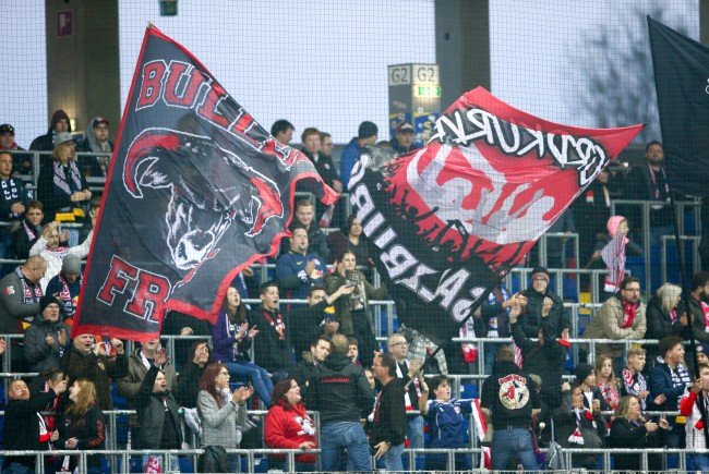 2.000 Fans reisen zum Europa League-Match zwischen BVB und Red Bull Salzburg nach Dortmund.