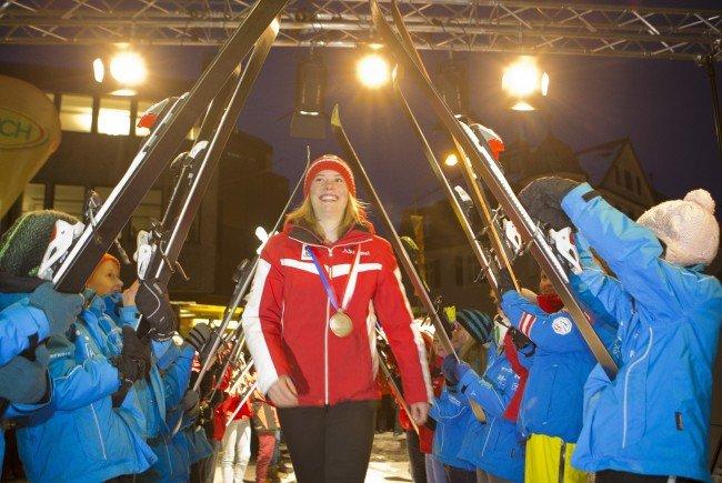 Katharina Liensberger wird in Göfis feierlich empfangen.