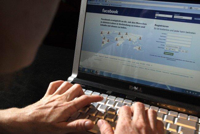 Preiszler teilte etwa Postings aus der Reichsbürgerszene, aber auch Falschmeldungen rechtsextremer Portale.