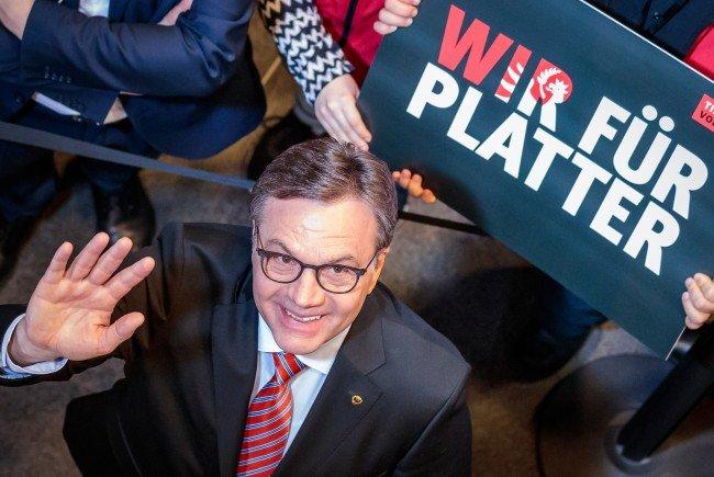 Platter plant erneute Gespräche mit allen Parteien.