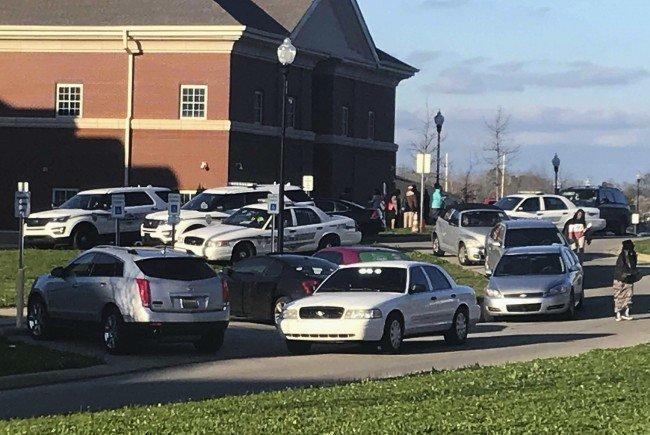 """17-Jährige bei """"unbeabsichtigter Schießerei"""" im Bundesstaat Alabama getötet."""