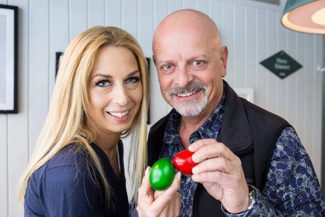 Musiker Gary Lux und Daner-against-Cancer-Initiatorin Yvonne Rueff laden zum Eierpecken.