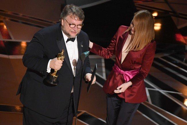 Guillermo del Toro hat den Regie-Oscar 2018 erhalten