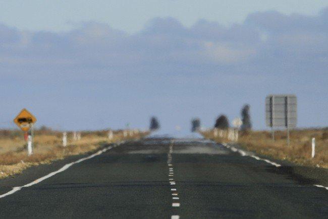 Eine Straße im australischen Outback.