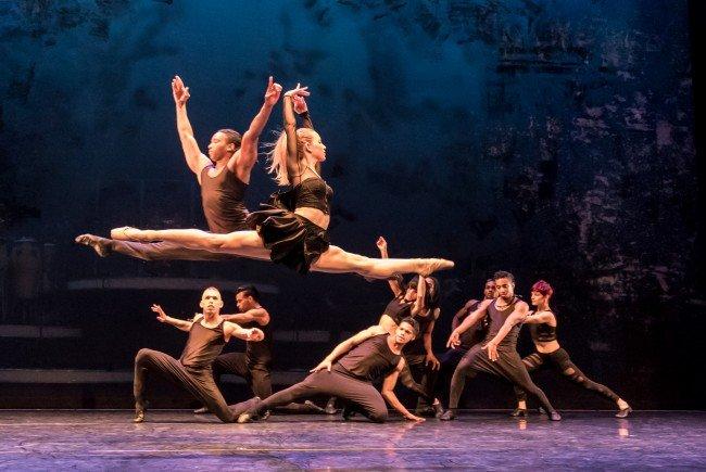 Wir verlosen 5x2 Tickets für Ballet Revolución am 20.3. im Wiener Museumsquartier.