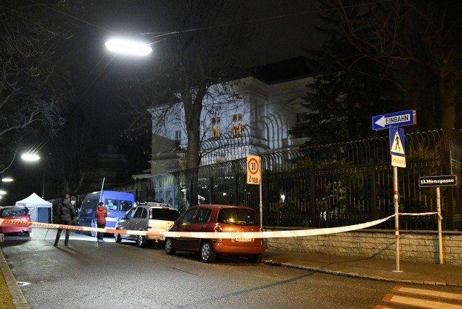 """Der Soldat gab vor der iranischen Botschaft """"mindestens vier"""" Schüsse ab."""