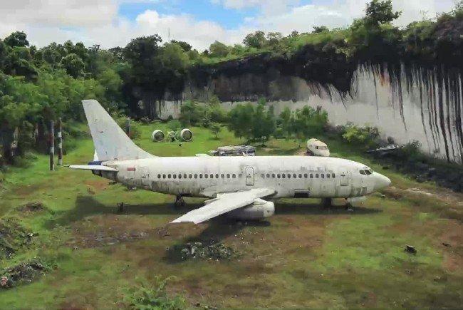 Wieso steht das Flugzeug da?
