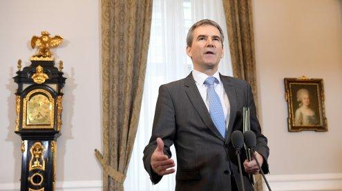 Finanzminister Hartwig Löger mit erster Budget-Rede im Ministerrat