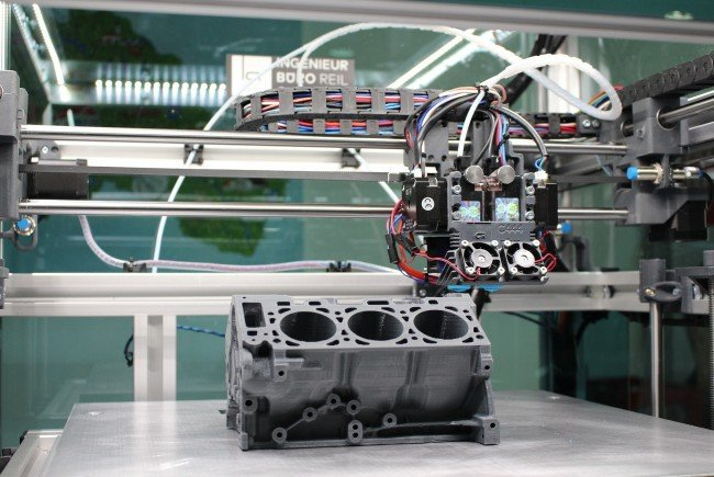 "Unternehmen arbeiten am ""Austrian Competence Center for Digital Production"" an der Industrie 4.0."