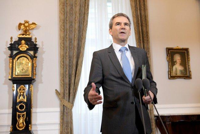 Finanzminister Löger präsentiert das Budget der Regierung.
