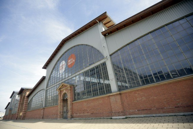 An der Marx-Halle entstand ein Sachschaden von über drei Millionen Euro.