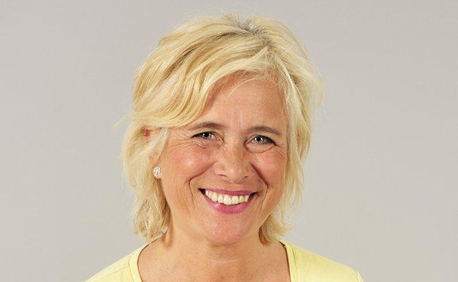 Momo Kreutz vertritt die abwesende Noch-Vorsteherin Martina Malyar.