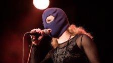 Pussy Riot-Mitglied Maria Aljochina in der Arena