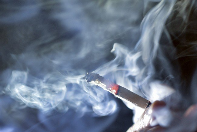 Der nationalrat schafft heute das Rauchverbot ab.