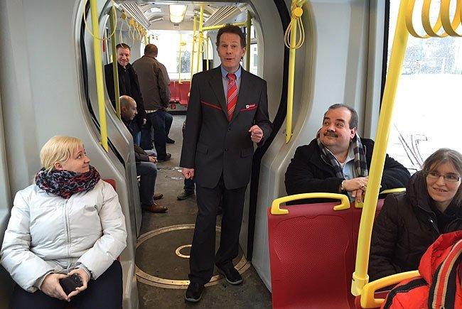 Der singende Straßenbahn-Fahrer ist wieder unterwegs.